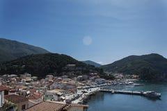 Sikt över den Parga hamnen, Parga Grekland Arkivbild