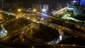 Sikt över den upptagen högstämd vägföreningspunkten & horisont på skymning, Shanghai lager videofilmer