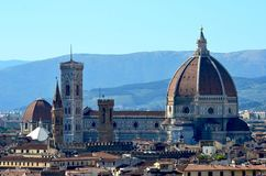 Sikt över Florence från Piazzalen Michelangelo royaltyfria bilder