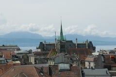 Sikt över Lausanne från bergstoppet royaltyfria foton
