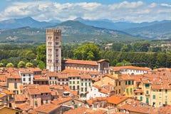 Sikt över Lucca, Tuscany town arkivbilder