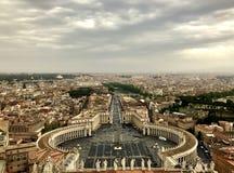 Sikt över rome från överkanten av Peter Cathedral royaltyfri bild