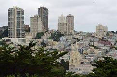 Sikt över San Francisco från det Coit tornet Arkivfoto