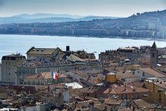 Sikt över stad av Nice på den franska Rivieraen Royaltyfri Fotografi