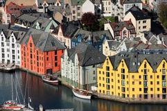 Sikt över staden av Ã-… lesund, Norge Fotografering för Bildbyråer