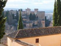 Sikt över taklinjen till Alhambra Palace arkivfoto