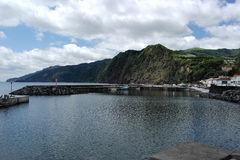 Sikt över theHarboren, Ponta Delgada, Portugal royaltyfria foton
