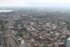 Sikt över Toronto från CN-tornet Arkivbild
