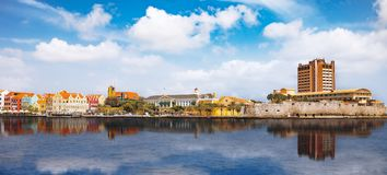 Sikt över Willemstad - Curacao Arkivfoto