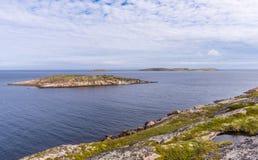 Sikt av öar av skärgården av Kuzova Royaltyfri Bild