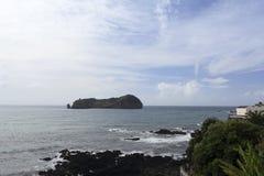 Sikt av ön av Ilheu da Vila royaltyfri foto