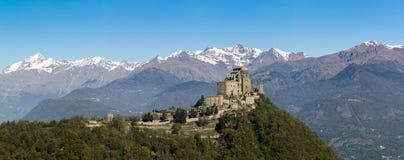 Sikt av abbotskloster för Sacradi San Michele Saint Michael ` s, relig Royaltyfri Fotografi