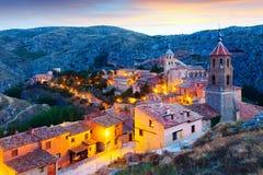 Sikt av Albarracin i afton Arkivbild