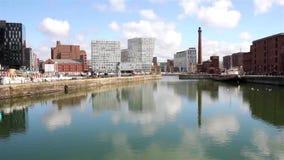 Sikt av Albert Dock, Liverpool lager videofilmer