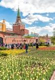 Sikt av Alexander Garden på våren, Moskva Royaltyfri Fotografi