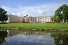 Sikt av Alexander Palace, solig dag i juli Tsarskoye Selo, St Petersburg Arkivbilder
