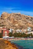 Sikt av Alicante från den medelhavs- stranden Royaltyfri Foto