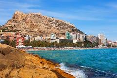 Sikt av Alicante från medelhavs- Royaltyfri Fotografi