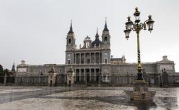 Sikt av Almudena Cathedral Royaltyfri Bild