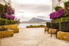 Sikt av Altea den medelhavs- byn från den Alicante kusten, Benidorm, Spanien Fotografering för Bildbyråer