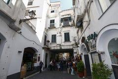 Sikt av amalfi, Italien Arkivfoton