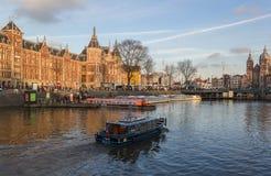 Sikt av Amsterdam kanaler Arkivbild