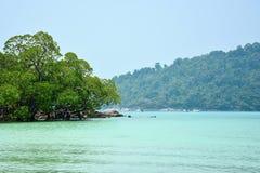 Sikt av andamanhavet i Thailand Royaltyfria Bilder