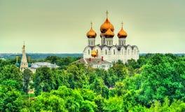 Sikt av antagandedomkyrkan i Yaroslavl, Ryssland Royaltyfri Fotografi