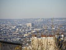 Sikt av Arc de Triomphe från Le Sacre-Coeur Royaltyfria Bilder