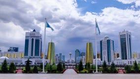 Sikt av Astana den moderna staden med baiterek- och torntimelapse arkivfilmer