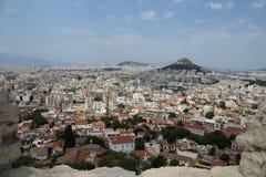 Sikt av Aten och Mt Lycabettus från akropolen arkivbild