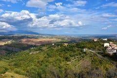 Sikt av att omge av Altomonte, Calabria royaltyfria foton