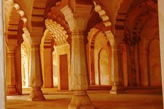 Sikt av bågar i gallerit, Bibi-Ka-Maqbara, Aurangabad, Maharashtra fotografering för bildbyråer