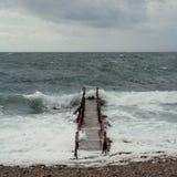 Sikt av baltiquehavet, stromen och vågen, Sverige arkivbilder