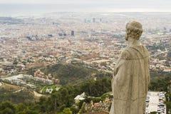 Sikt av Barcelona från temploen på Tibidabo Royaltyfri Fotografi