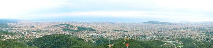 Sikt av Barcelona från temploen på Tibidabo Arkivbild