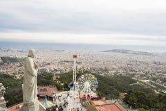 Sikt av Barcelona från temploen på Tibidabo Royaltyfri Foto