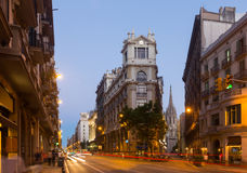 Sikt av Barcelona i skymning spain Fotografering för Bildbyråer