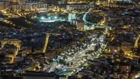 Sikt av Barcelona natttimelapse med den fyrkantiga lagen från bunker Carmel Catalonia Spanien arkivfilmer