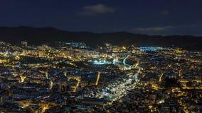 Sikt av Barcelona natttimelapse med den fyrkantiga lagen från bunker Carmel Catalonia Spanien stock video