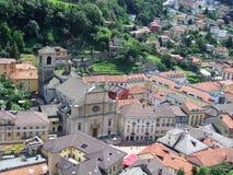 Sikt av Bellinzona från slott i Schweiz Royaltyfri Fotografi