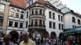 Sikt av berömda Hofbrauhaus - Munich, Tyskland lager videofilmer