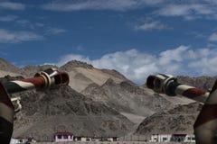 Sikt av berg utifrån Hall av berömmelse, minnesmärke för krighjältar, Leh Arkivbilder