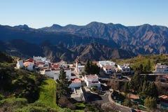 Sikt av bergbyn Artenara i Gran Canaria Arkivbilder
