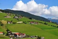 Sikt av bergen nära Maranza södra Tyrol, Italien Arkivbilder