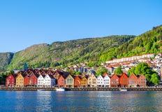 Sikt av Bergen, Norge under dagen Royaltyfri Bild