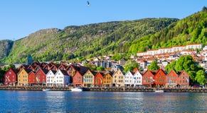 Sikt av Bergen, Norge under dagen Royaltyfri Fotografi
