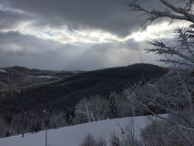 Sikt av berget i vinter Arkivbilder
