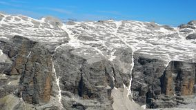 Sikt av berglandskapet av den Sella gruppen av de härliga dolomitesna lager videofilmer