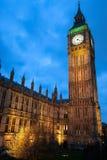 Sikt av Big Ben från den Westminster bron Royaltyfri Fotografi